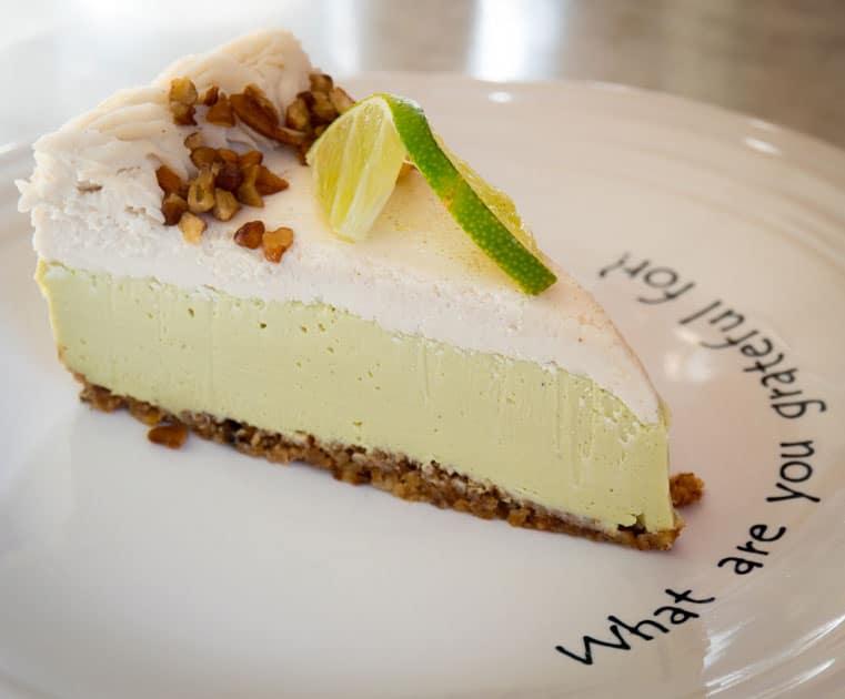 Key Lime Pie-ein rohes Rezept aus dem Café Gratitude .