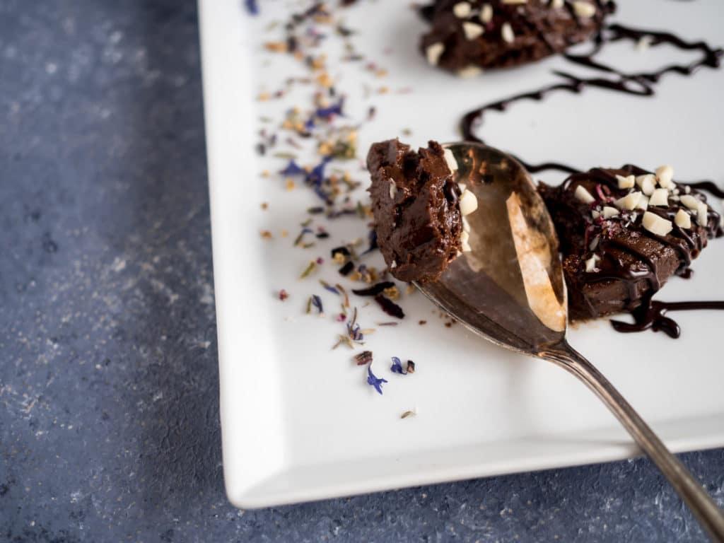 Erdnuss Mousse au Chocolate