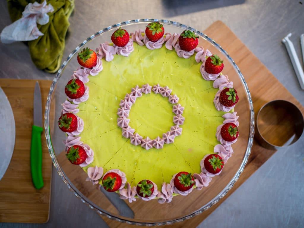 Erdbeer-Limetten-Minztorte