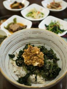Auch wer traditionelles Bibimbap kennt wird von diesem Geschmack überrascht sein.