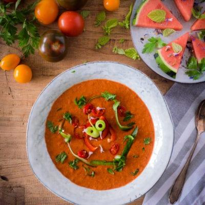 Sommerliches Superfood Rezept: Wassermelonen Gazpacho mit Chia Samen