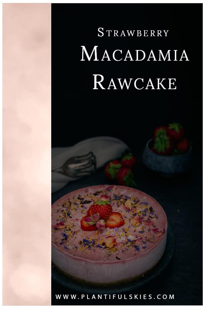 Erdbeer Macadamia Raw Cake
