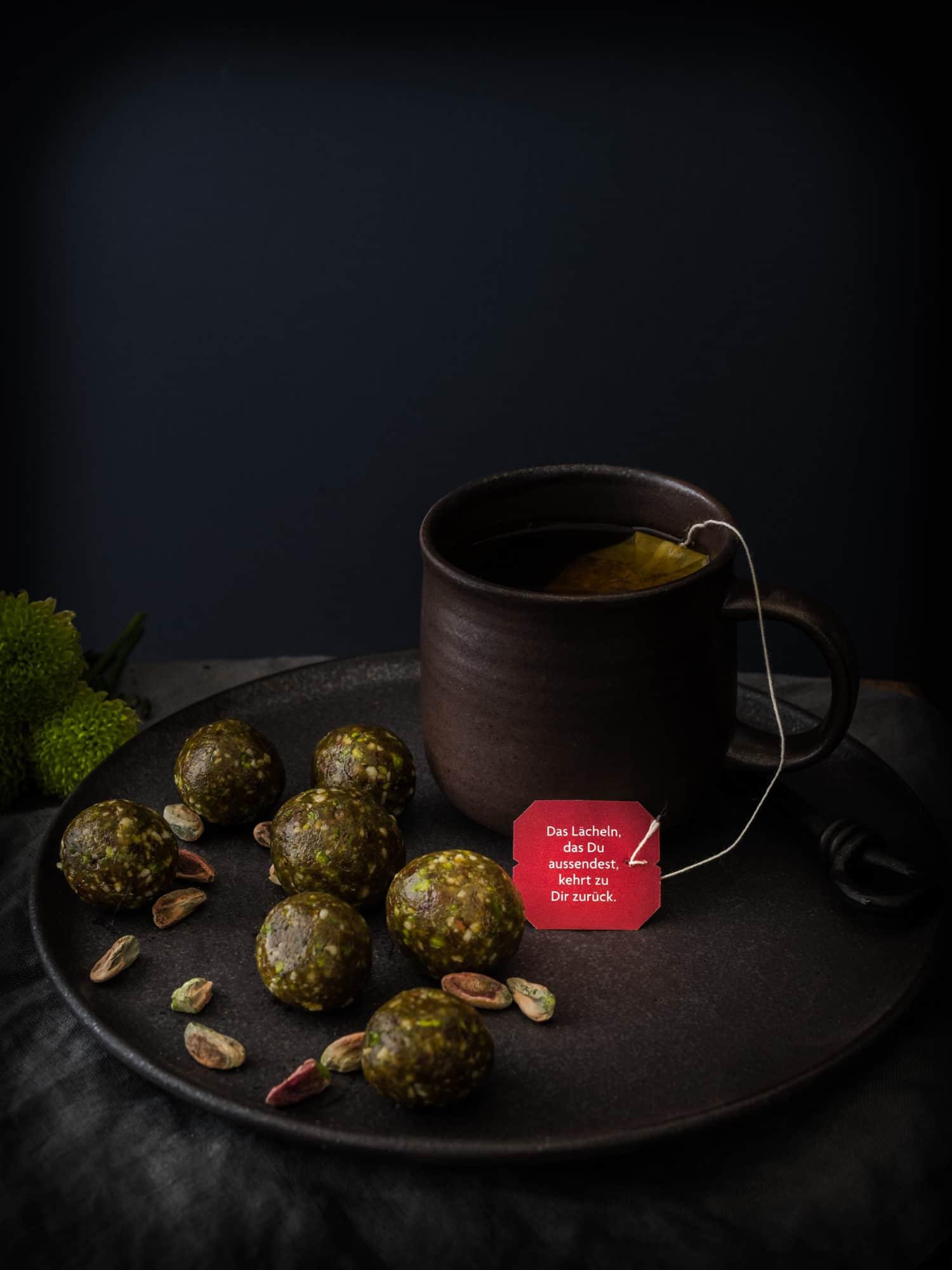 Ayurveda Energyballs mit YOGI TEA