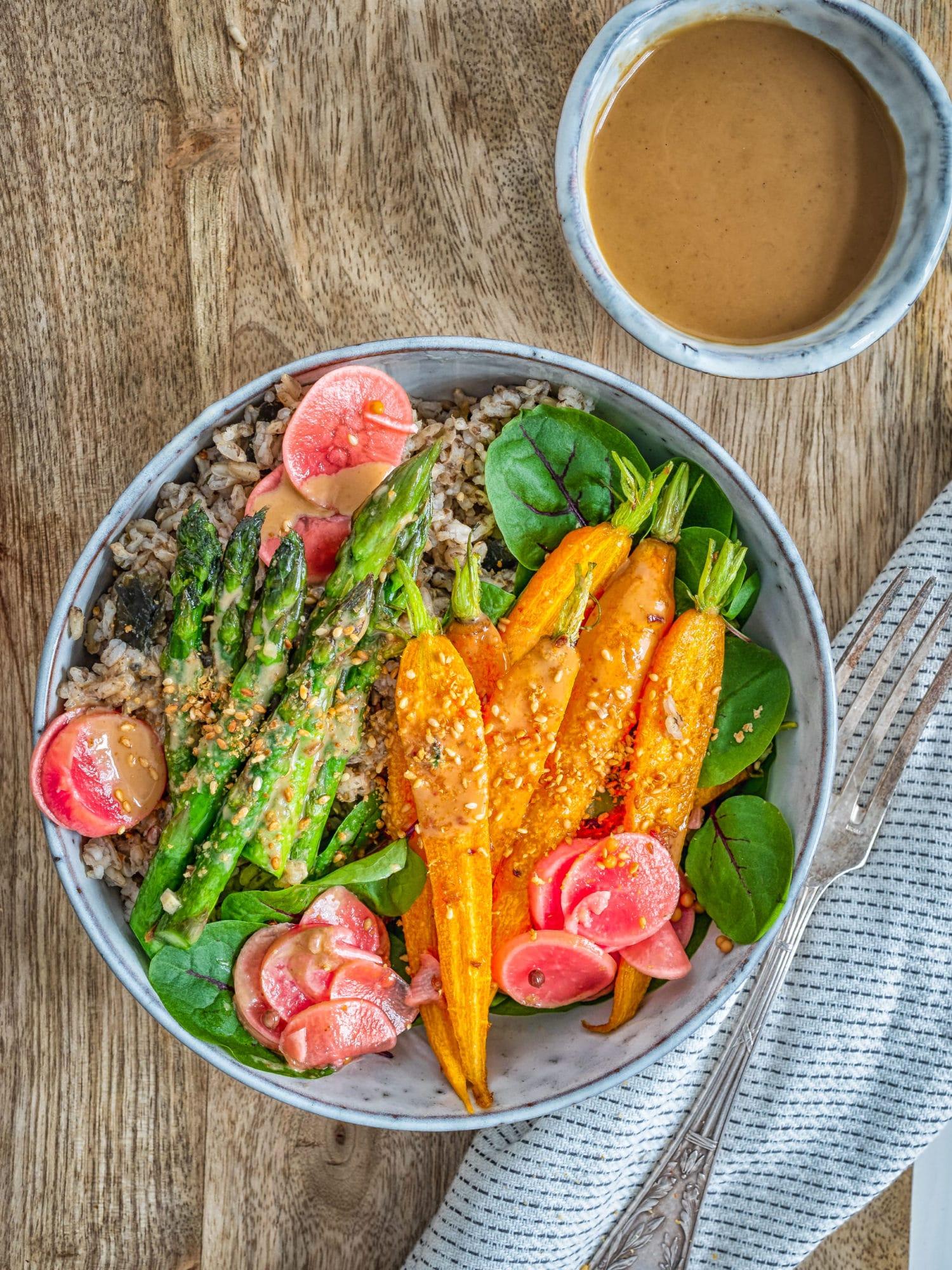 Ayurveda Ernährung: Makrobiotische Ayurveda Bowl zum Frühling