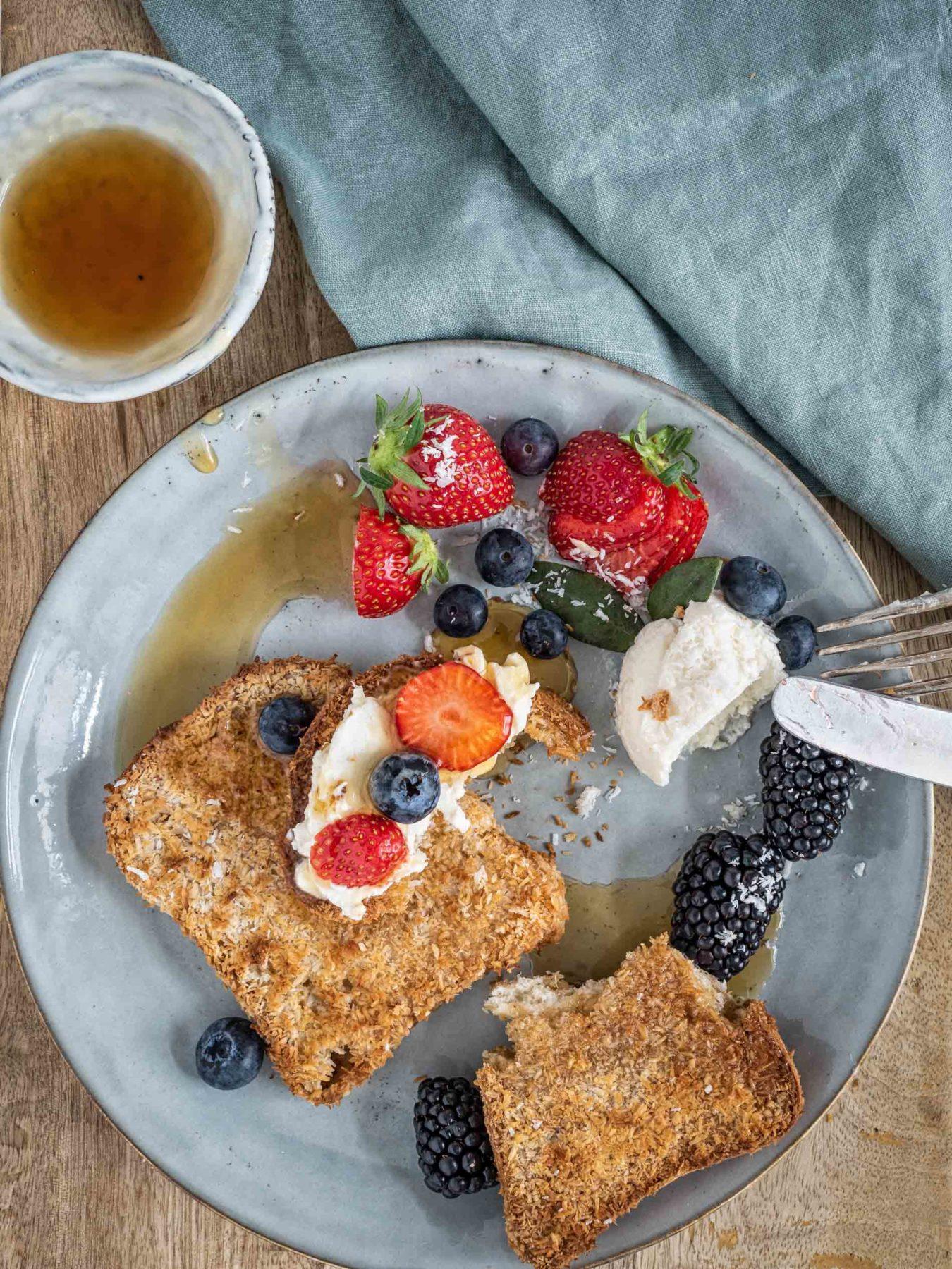 veganer French Toast mit Kokos und Sauerrahm