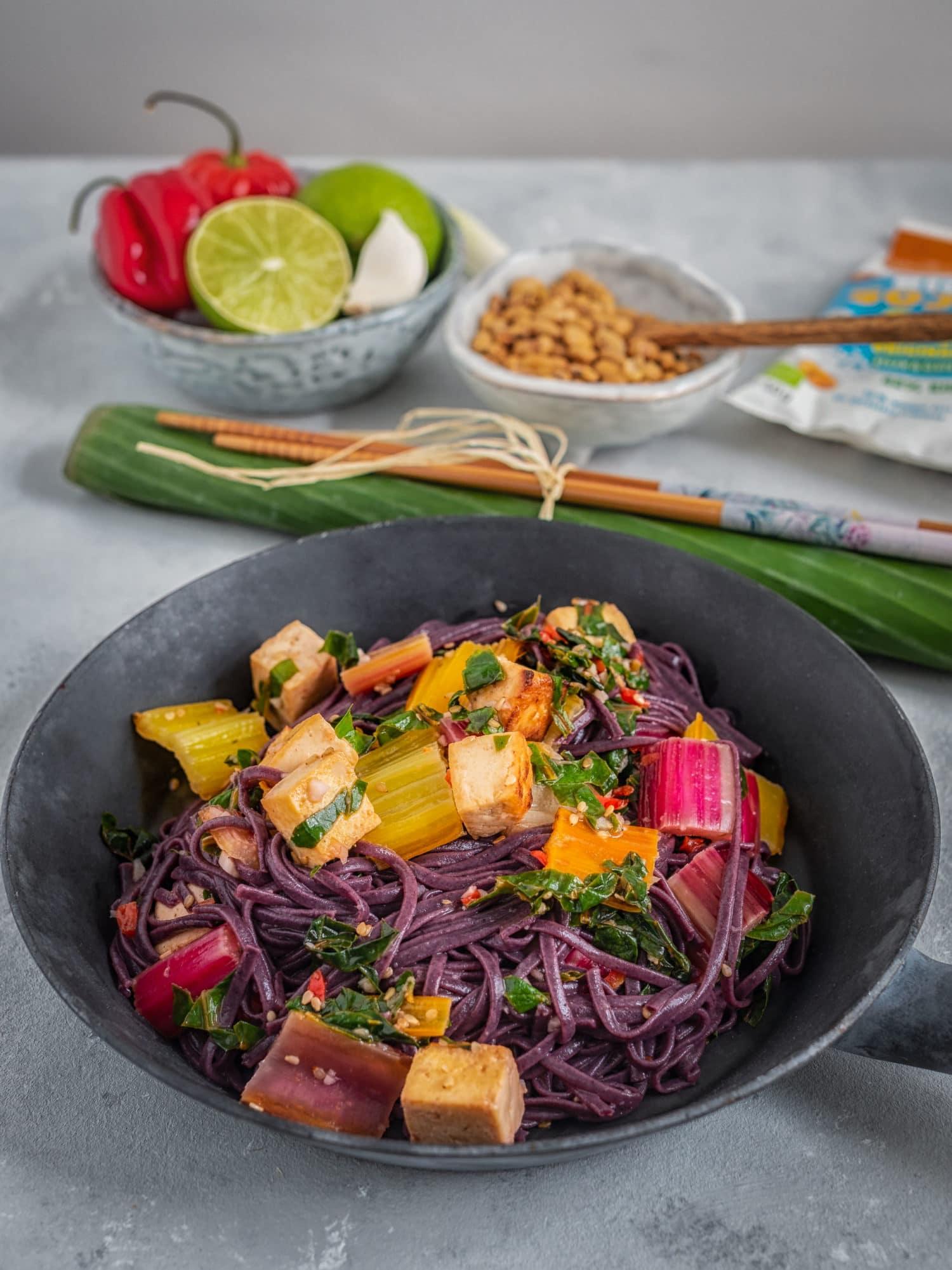 Meal Prep : Reisnudel Bowl mit Limetten-Kokos Tofu
