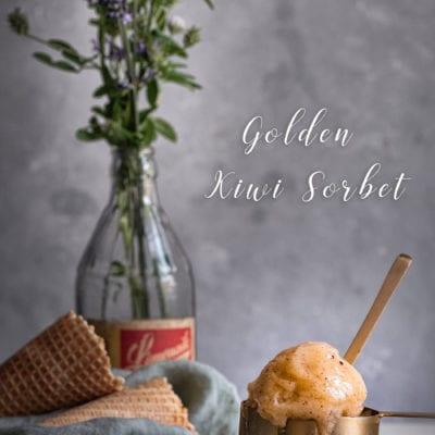 Ein sommerliches Sorbet Rezept : goldenes Kiwi Sorbet .