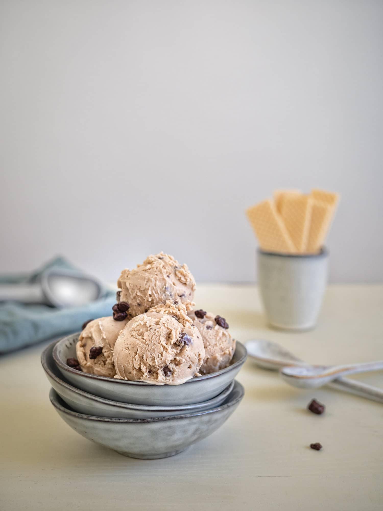 veganes Erdnussbutter Eis