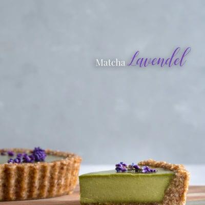 No Bake Matcha Tarte mit Lavendel