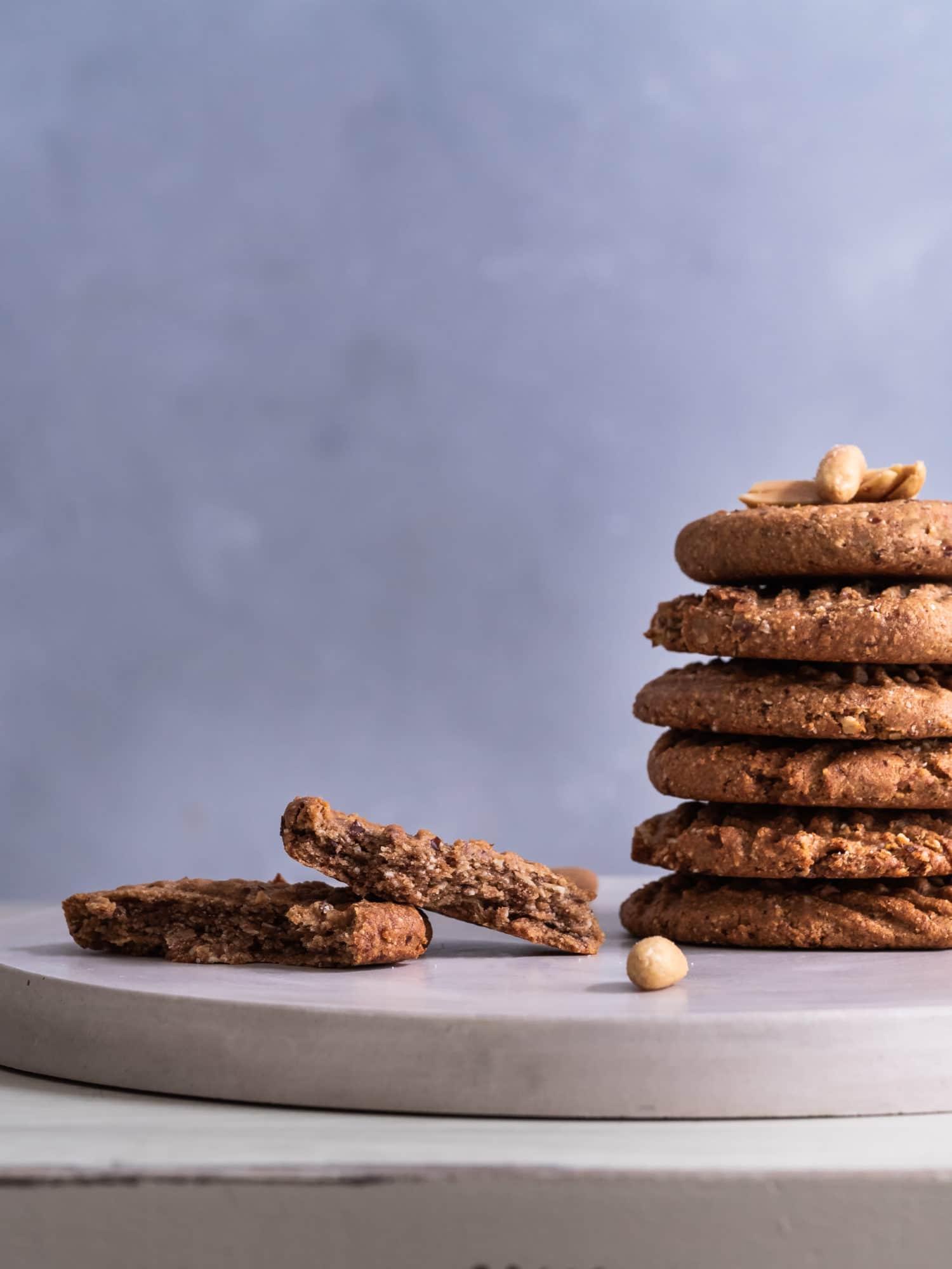 Erdnussbutter Kekse mit Erdnüssen