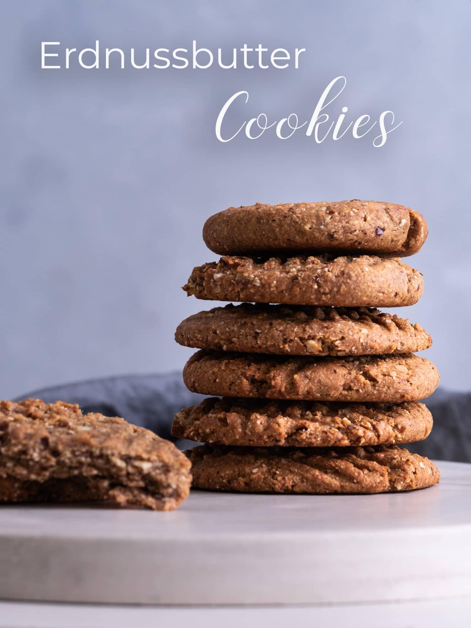 Kekse auf Teller mit schrift