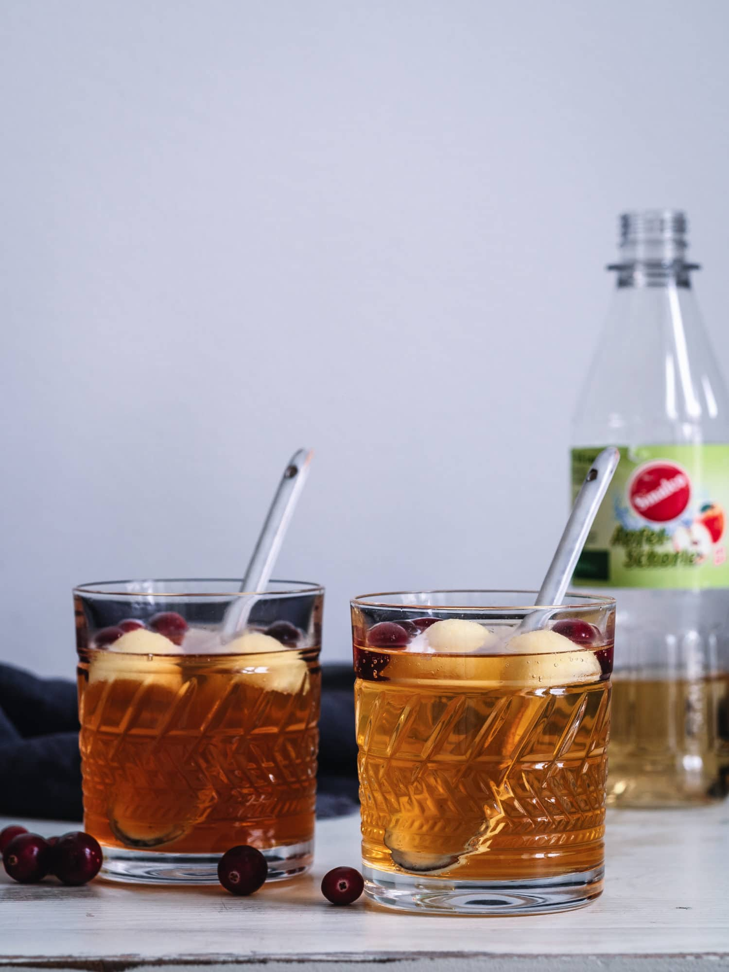 alkoholfreie Apfel Bowle mit sinalco Apfelschorle