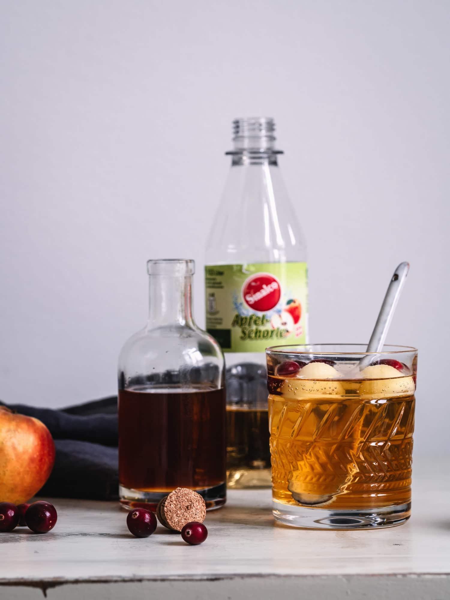 alkoholfreie Bowle mit Sinalco Apfelschorle