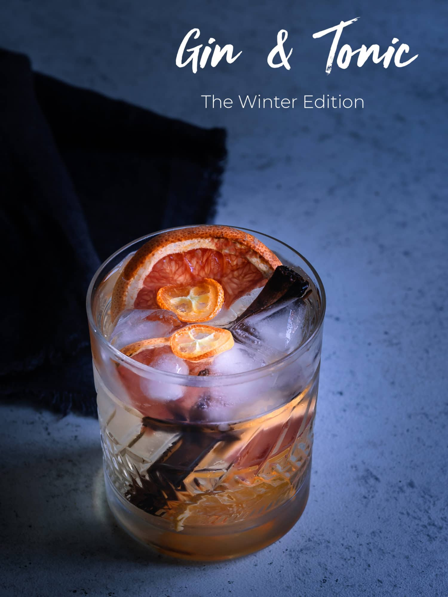 Gin Tonic im Glas von oben