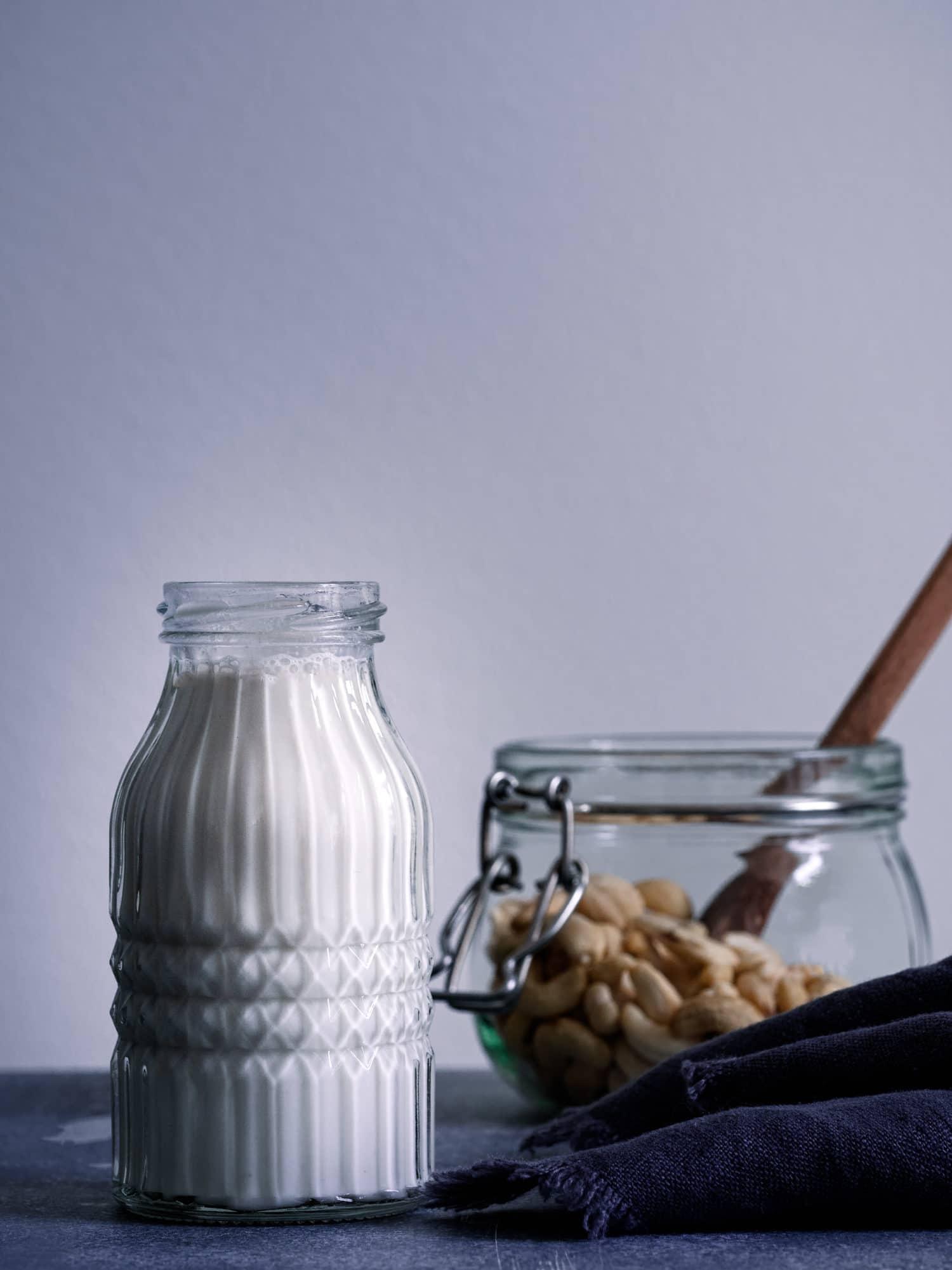 frisch zubereitete Cashewmilch