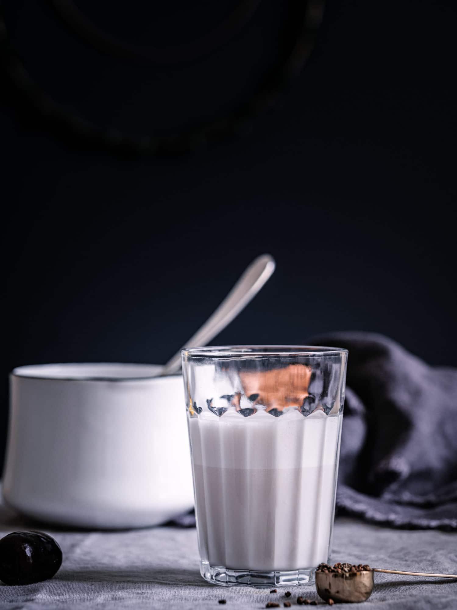 Dattel Milch für Latte Macchiato aus Fairtrade Kaffee