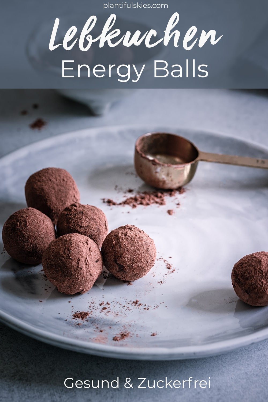 Lebkuchen Energiebällchen Rezept mit Datteln . Vegan,glutenfrei, ohne Zucker. Weihnachtliche Energy Balls. #blisballs #happymoodfood #rohkost #gesundnaschen