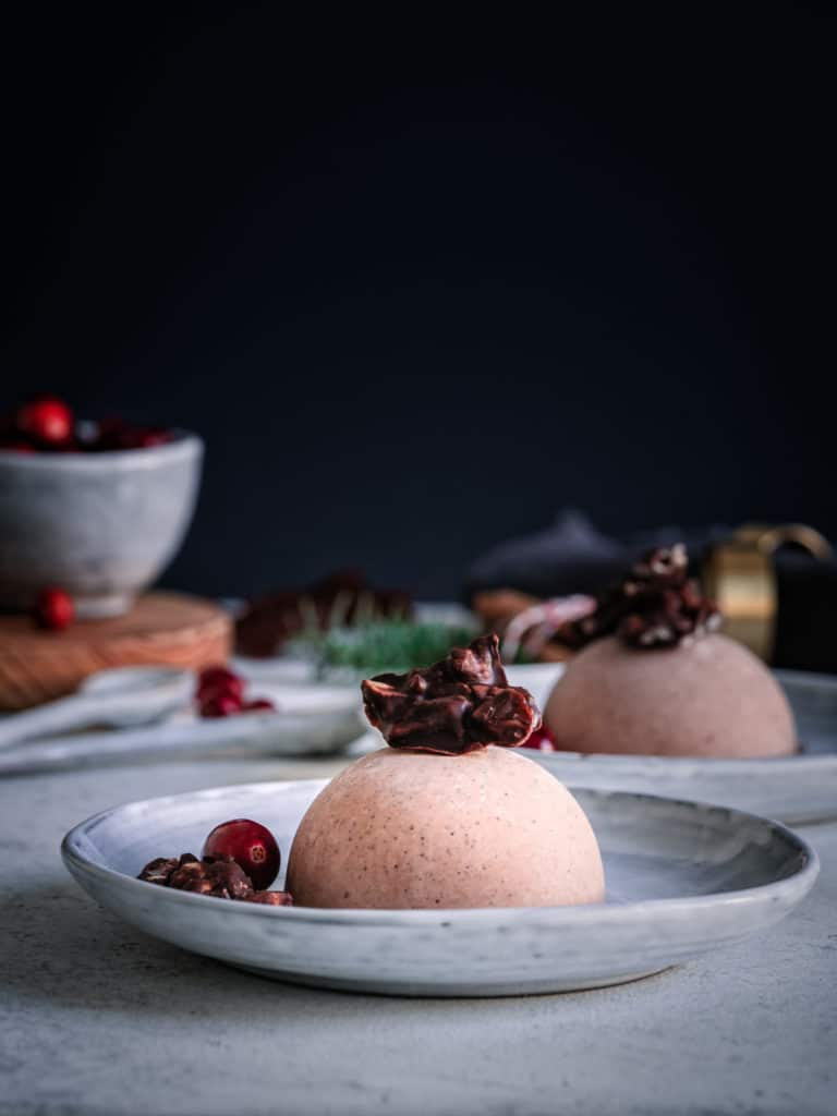 Weihnachtsdessert mit Schokolade