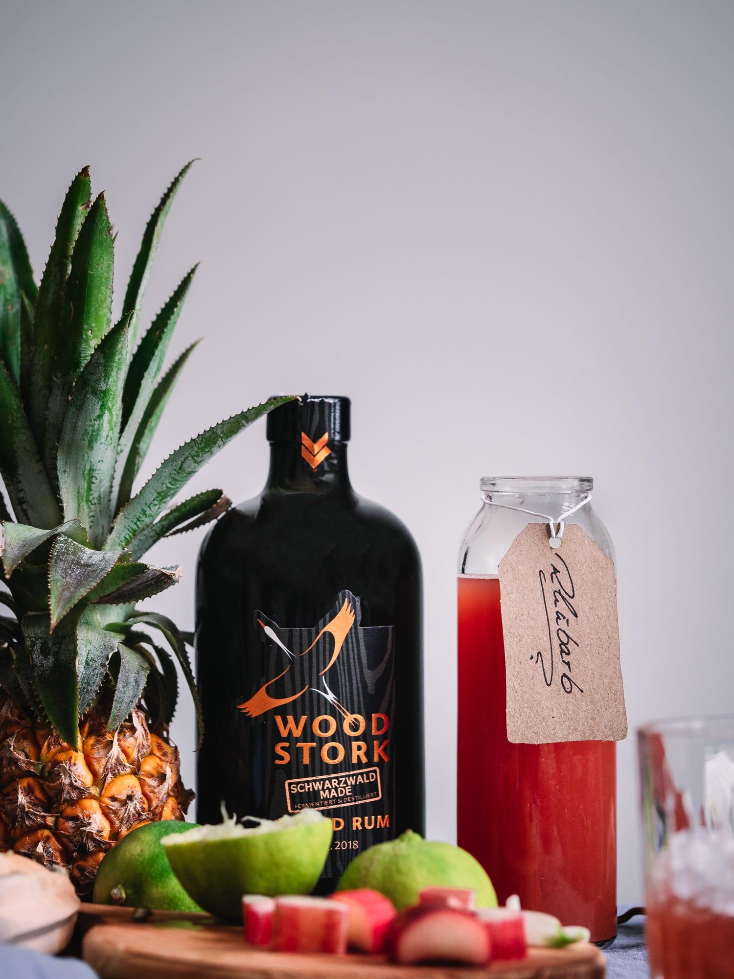 Rhabarbersirup und Rum