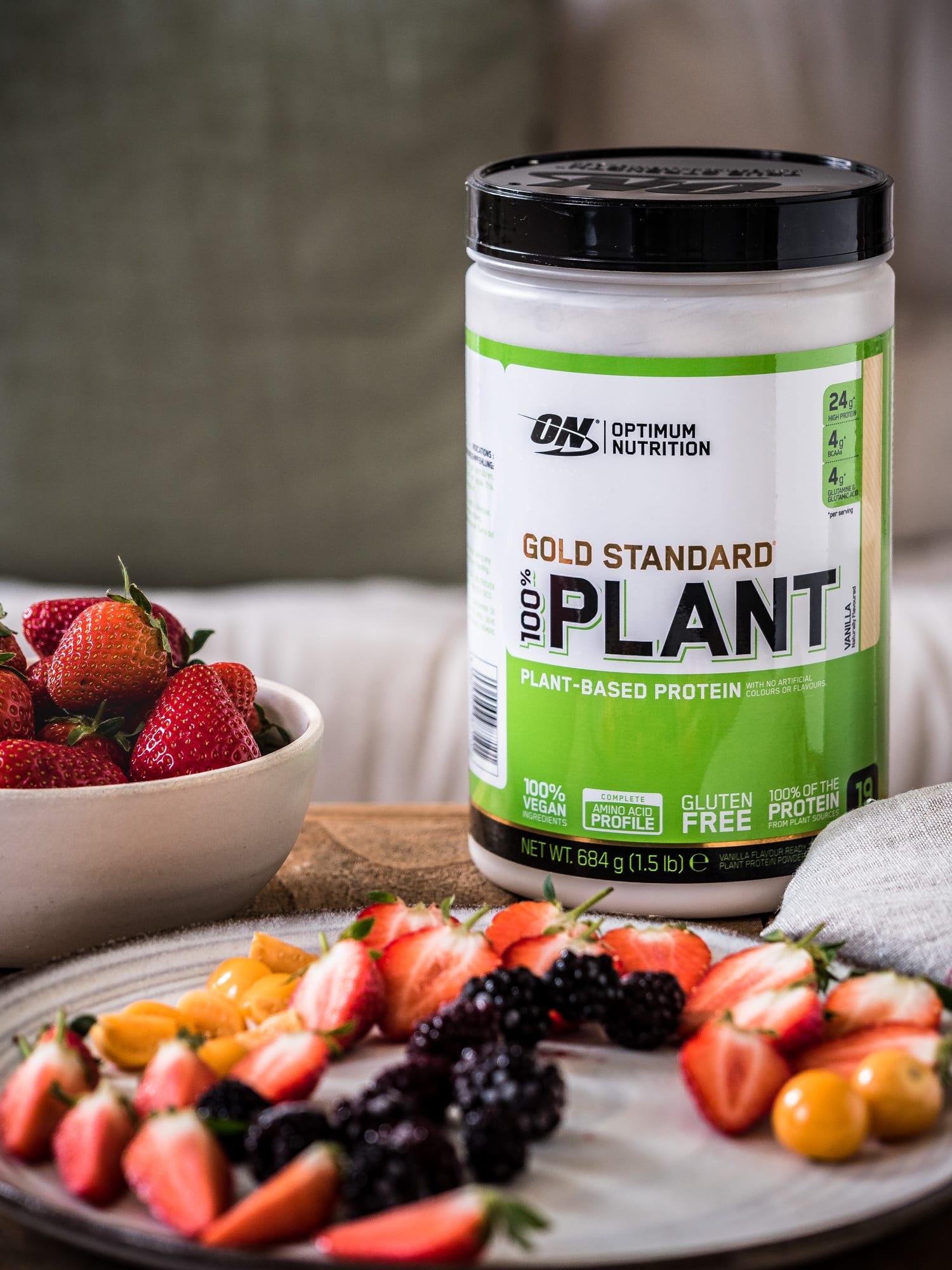 GOLD STANDARD PLANT für vegane Protein Pancakes mit Beeren