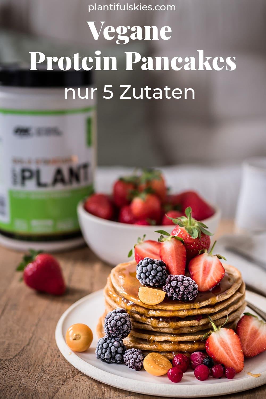 Vegane Protein Pancakes aus 5 Zutaten. Protein Pancakes Rezept ohne Ei und ohne Zucker. Veganes, einfaches, gesundes Pancake Rezept. Ohne Banane oder Apfelmus.