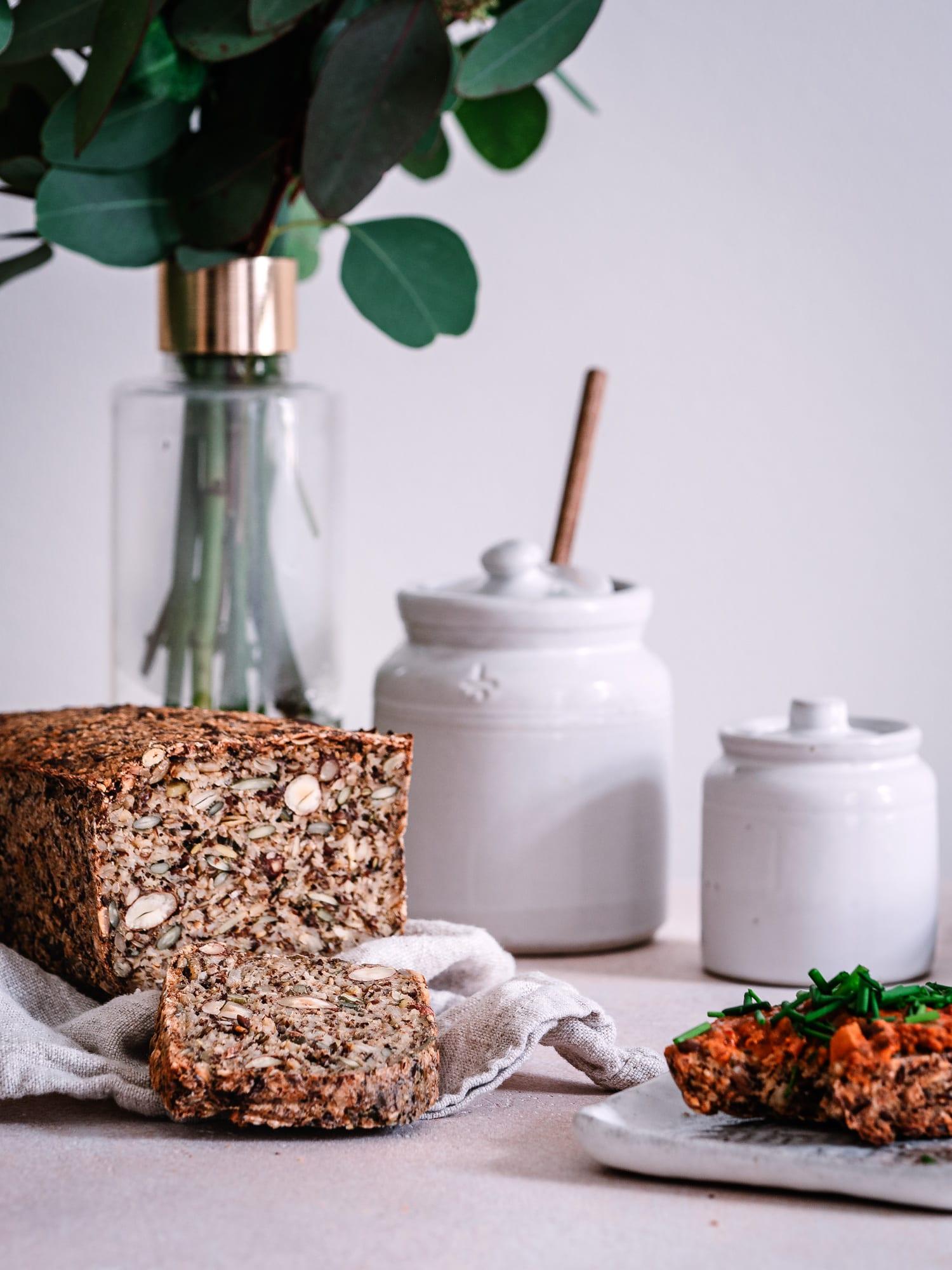 Life Changing Bread mit Aufstrich