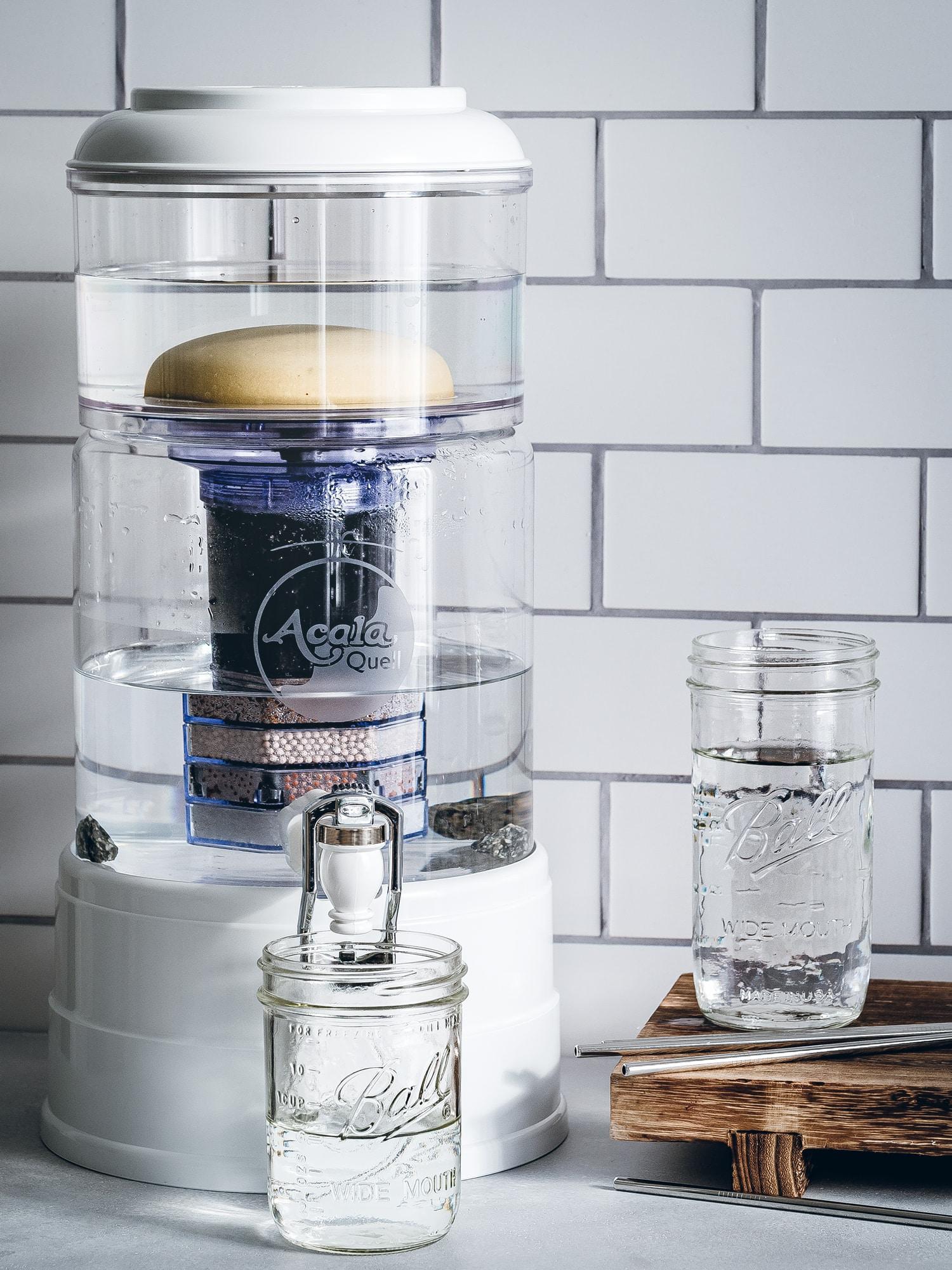 Acala Wasserfilter im Ganzen